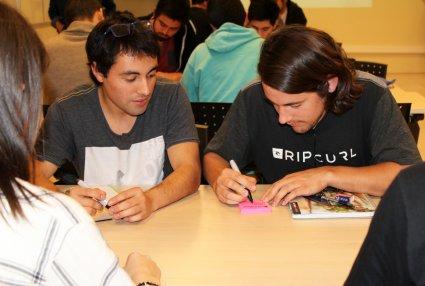 Estudiantes de la FIN-PUCV aprenden conceptos y metodologías relacionadas con el emprendimiento y la innovación