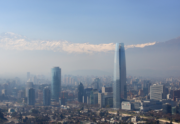 Efecto COVID-19: contaminación atmosférica disminuyó 15% en Santiago durante 2020
