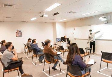 PUCV habilitó 80 salas híbridas para recibir a más de 3.000 estudiantes de primer y segundo año