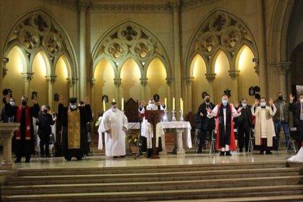 Académicos y estudiantes de Teología PUCV participan del Te Deum Ecuménico en la catedral de Valparaíso