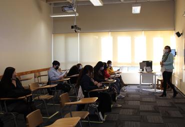 PUCV da inicio a clases presenciales para cursos superiores